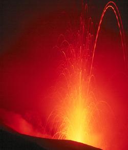 250px-Stromboli_Eruption_Crop1.png