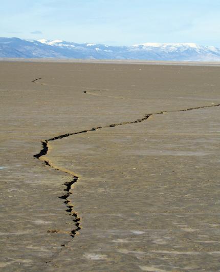 Alkali-Lake-cracks2.jpg