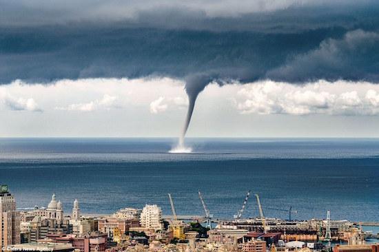 Genoa-waterspout-001.jpg