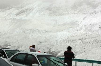 ch-snow-01.jpg