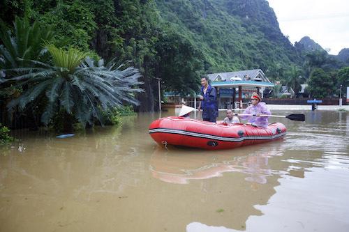 flood-highway-01.jpg