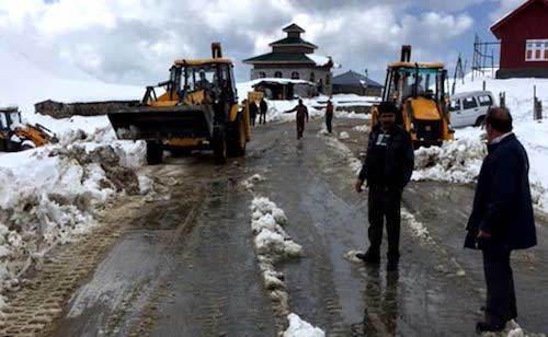 kashmir-snowfall-03.jpg