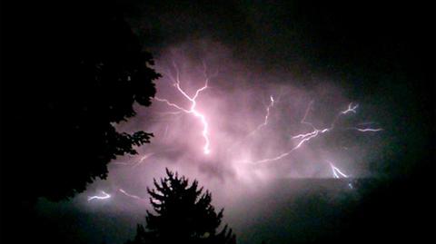 lightning-02.jpg