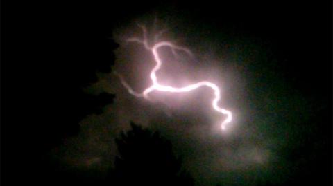 lightning-03.jpg